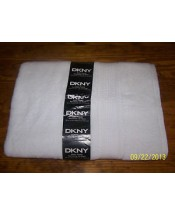 DKNY Bath towel